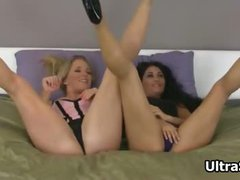 Sexy brunette and blonde babes get horny part3