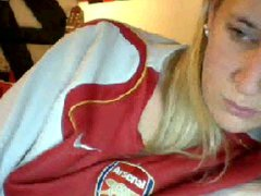 Arsenal Teen Supporter Love To Play Herself