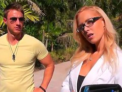 A very hot blond agent likes