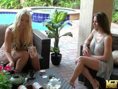 Molly Cavalli and Rachel Roxxx have a nice time talking