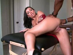 Lonely ivory skinned milf Honey White gets her shaved pussy