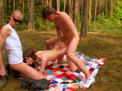 Amateur polish threesome in the forest