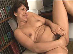 Super juicy pussy on Latina milf