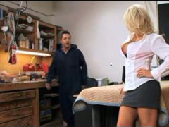 MILF fuck in office