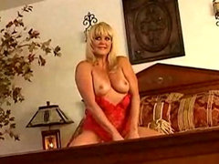 Mature blonde porn legend Ginger Lynn gets an anal creampie