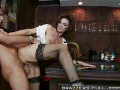 MILF Deauxma Does The Bartender