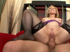 Nina Hartley makes amazing milf porn